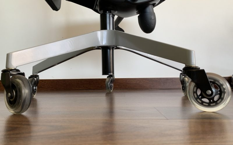 Office chair with silicone rollerblade wheels